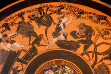 Etruscan-dish-showing-making-wine-from-grapes